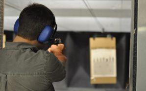 A mani nude contro la lobby delle armi