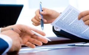 Nel contratto la riforma costituzionale e tagli alle pensioni