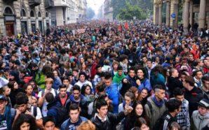 Una generazione che scende in piazza