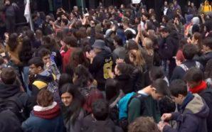 Il cambiamento non c'è, 100 mila studenti contro il governo