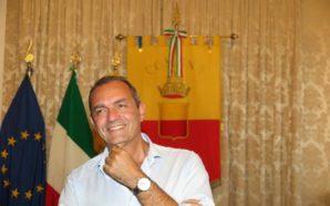 De Magistris, un passo indietro: «Difficile una lista alle europee»