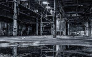 Il drammatico crollo dell'industria italiana