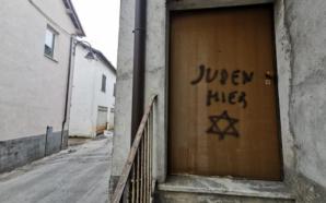 Scritta antisemita sulla porta di casa di una partigiana