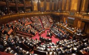 Il Parlamento si può e si deve riunire. Altrove